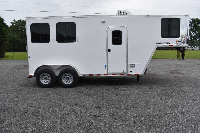 #00502 - New 2020 Harmar Dixie Renegade 7204LQ 2 Horse Trailer  with 4' Short Wall