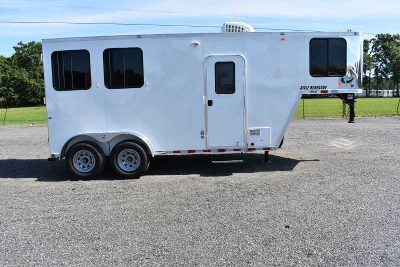 #00497 - New 2020 Harmar Dixie Renegade 7204LQ 2 Horse Trailer  with 4' Short Wall