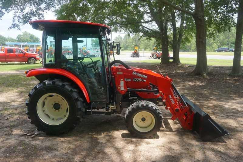#00009 - New 2019 Branson 4225CH Tractor