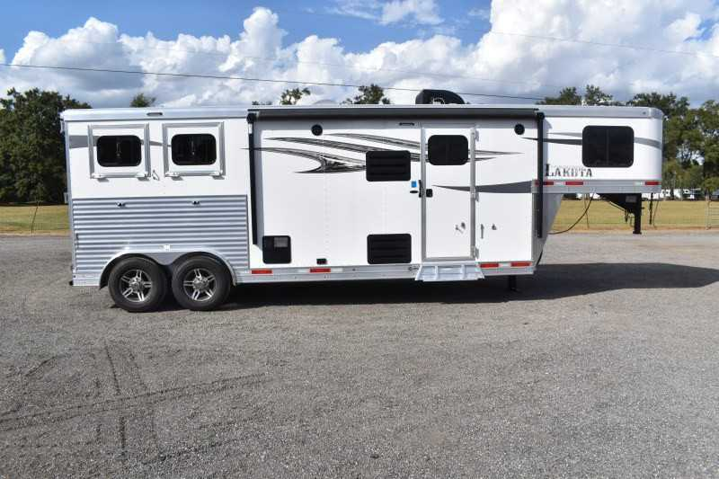 #00665 - New 2020 Lakota Charger 8209SRLQ 2 Horse Trailer  with 9' Short Wall