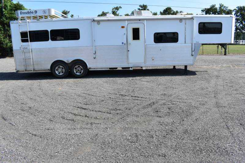 #63699 - Used 2009 Double D 8312LQ 3 Horse Trailer  with 13' Short Wall