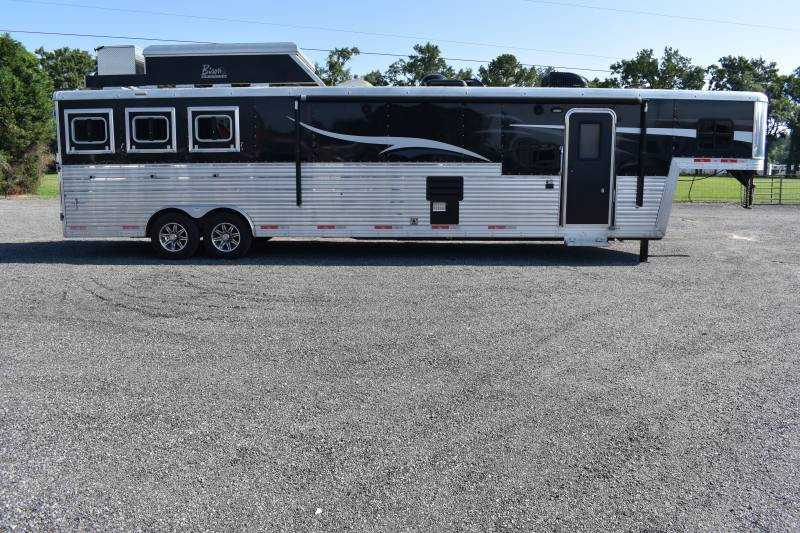 #06584 - Used 2017 Bison silverado 3 Horse Trailer  with 16' Short Wall