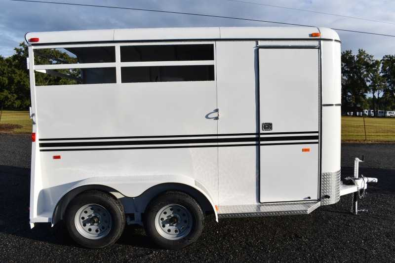 #77137 - New 2020 Bee 2HBPSLDLX 2 Horse Trailer  with 2' Short Wall