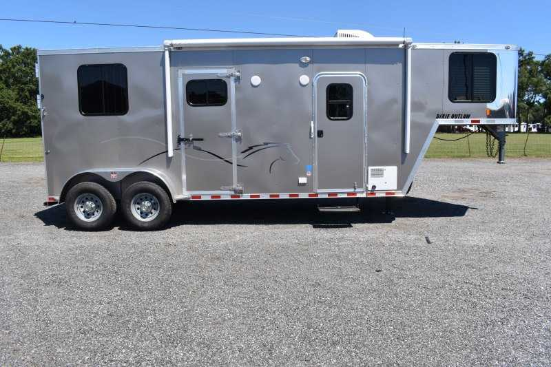 #00512 - New 2020 Harmar Dixie Outlaw 7204SSMTLQ 2 Horse Trailer  with 4' Short Wall