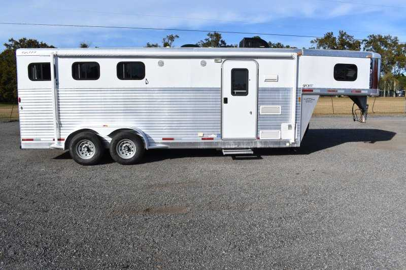 #32470 - Used 2005 Exiss 7307LQ 3 Horse Trailer  with 7' Short Wall