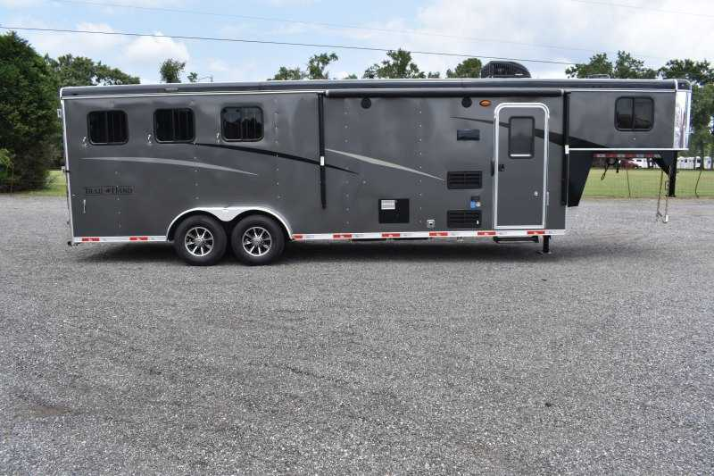#09152 - New 2020 Bison Trail Hand 7309SO 3 Horse Trailer  with 9' Short Wall
