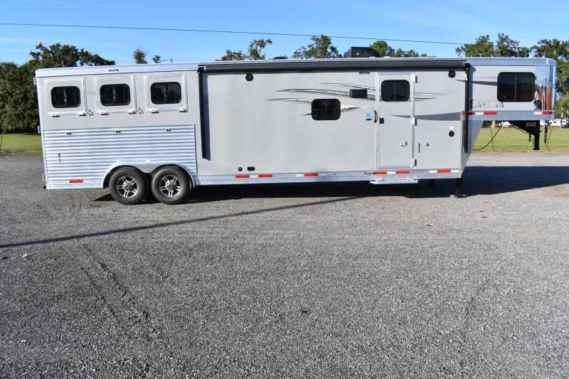 #00889 - New 2020 Lakota Charger 8313RKGLQ 3 Horse Trailer  with 13' Short Wall