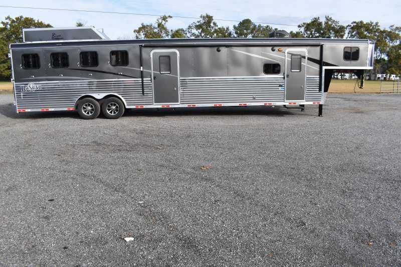 #09251 - New 2020 Bison Ranger 8411RSMTBK 4 Horse Trailer  with 11' Short Wall