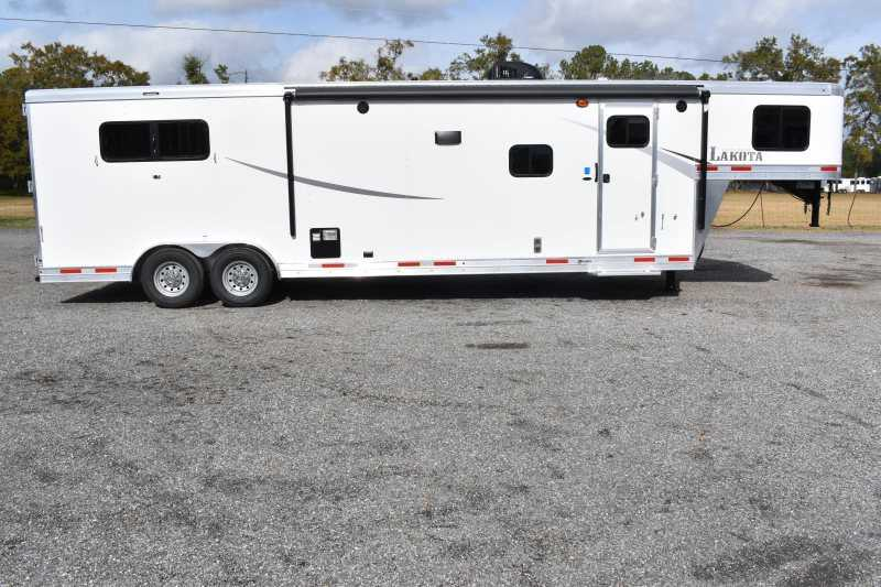 #00931 - New 2020 Lakota Colt 8313RKBSO 3 Horse Trailer  with 13' Short Wall