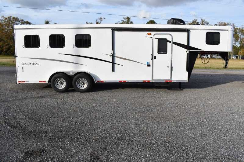 #09284 - New 2020 Bison Trail Hand 7307 3 Horse Trailer  with 7' Short Wall