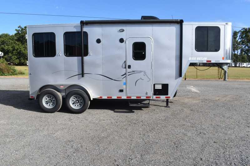 #00527 - New 2020 Harmar Dixie Outlaw 7204LQ 2 Horse Trailer  with 4' Short Wall