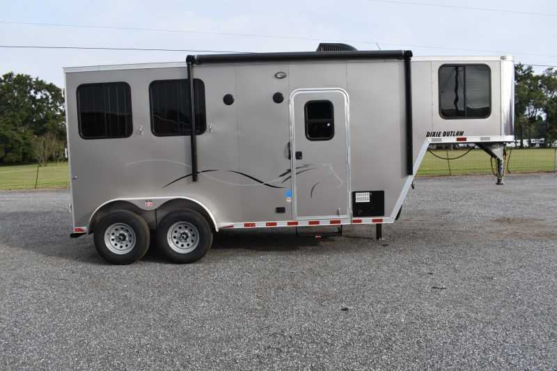 #00535 - New 2020 Harmar Dixie Outlaw 7204LQ 2 Horse Trailer  with 4' Short Wall