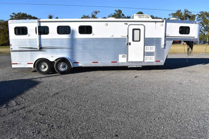 #36052 - Used 2006 Exiss ES407ELQ 4 Horse Trailer  with 7' Short Wall