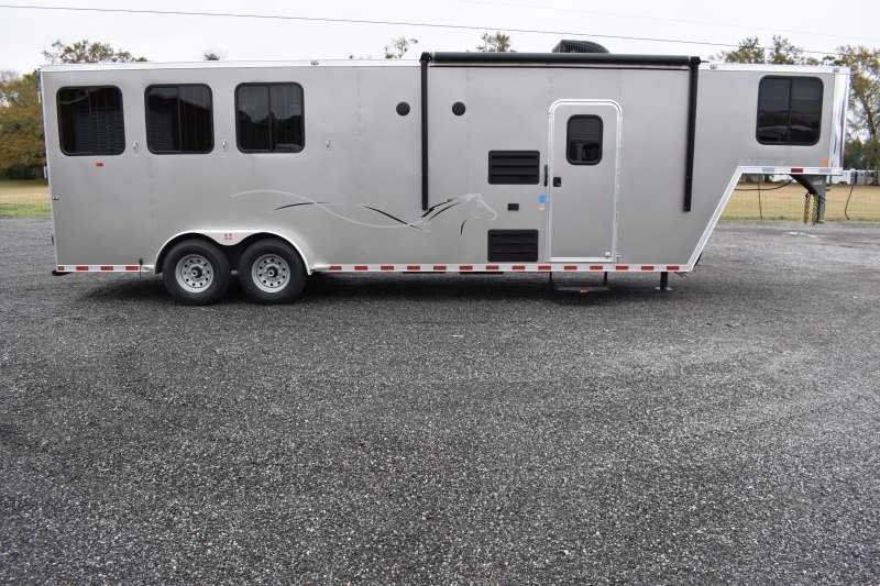 #00546 - New 2020 Harmar Dixie Outlaw 7310LQ 3 Horse Trailer  with 10' Short Wall