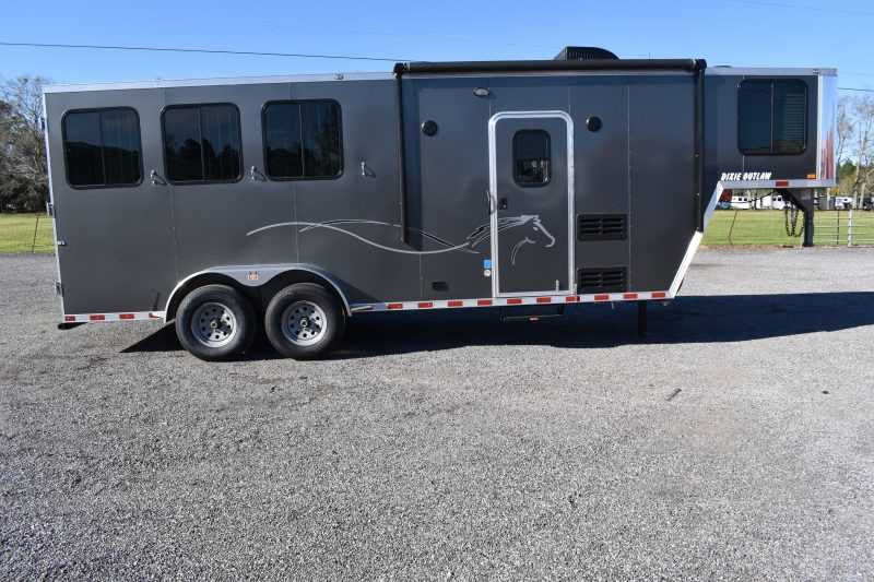 #00552 - New 2020 Harmar Dixie Outlaw 7306LQ 3 Horse Trailer  with 6' Short Wall