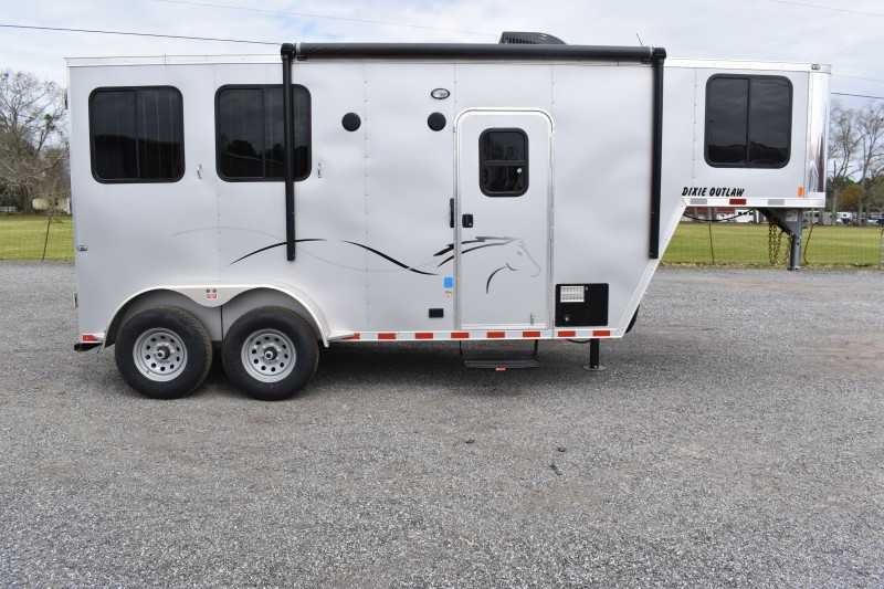 #00534 - New 2021 Harmar Dixie Outlaw 7204LQ 2 Horse Trailer  with 4' Short Wall