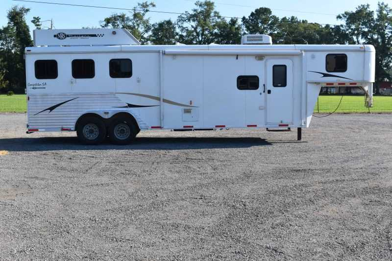 #00731 - Used 2011 Bison TH7311GLQ 3 Horse Trailer  with 11' Short Wall