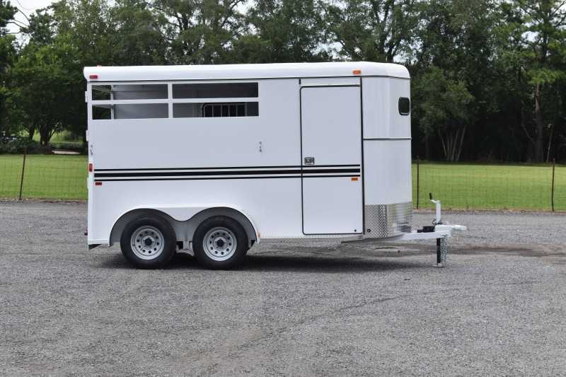#77268 - New 2021 Bee 2HBPSLDLX 2 Horse Trailer  with 2' Short Wall