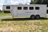 Used 2020 Bee 4HGN 4 Horse Trailer  with 3' Short Wall