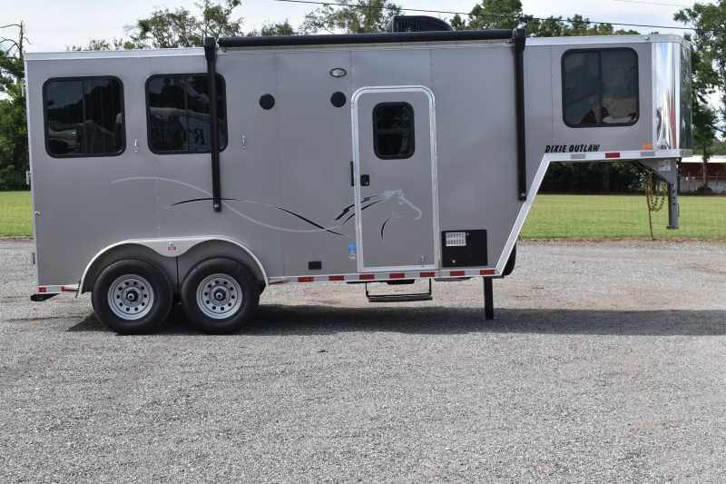 #00581 - New 2021 Harmar Dixie Outlaw 7204LQ 2 Horse Trailer  with 4' Short Wall