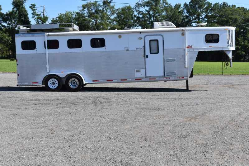 #39274 - Used 2007 Exiss 7407 4 Horse Trailer  with 7' Short Wall