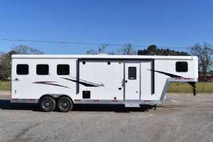 New 2021 Bison Desperado 8309B 3 Horse Trailer  with 9' Short Wall