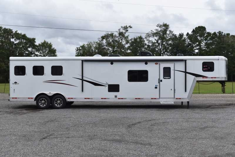 #00097 - New 2021 Bison Desperado 8316DE 3 Horse Trailer  with 16' Short Wall