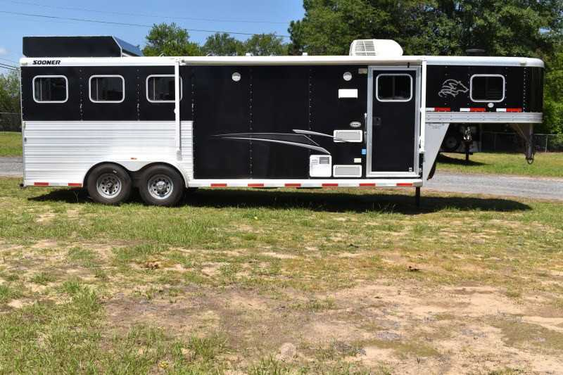 #54802 - Used 2012 Sooner 7309GNLQ 3 Horse Trailer  with 9' Short Wall