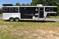 Used 2012 Sooner 7309GNLQ 3 Horse Trailer  with 9' Short Wall