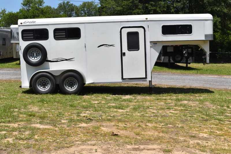 #25441 - Used 2010 Delta 7204GN 2 Horse Trailer  with 3' Short Wall