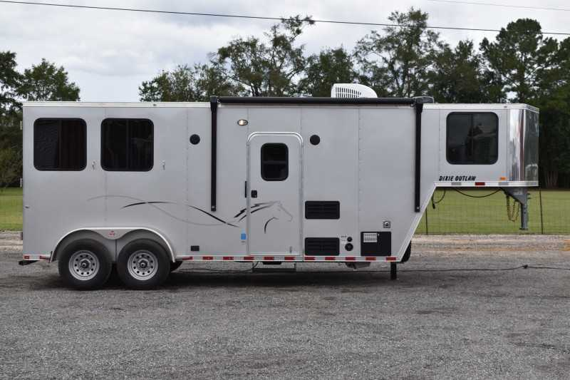 #00590 - New 2021 Harmar Dixie Outlaw 7207GLQ 2 Horse Trailer  with 7' Short Wall