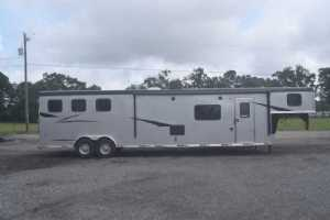 New 2022 Bison Ricochet 8316S 3 Horse Trailer  with 16' Short Wall