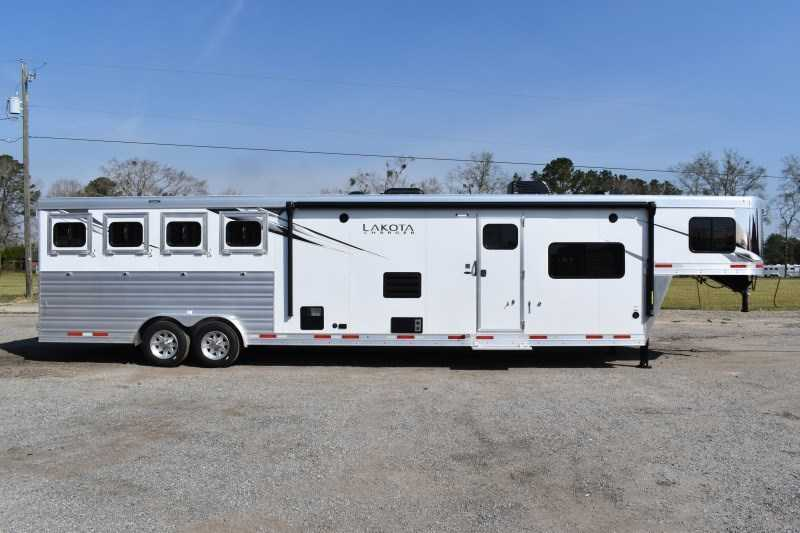 New 2021 Lakota Charger 8415RKBGLQ 4 Horse Trailer with 15' Short Wall