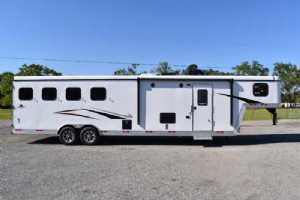New 2021 Bison Desperado 8411B 4 Horse Trailer  with 11' Short Wall