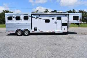New 2022 Lakota 8311RKGLQ Charger 3 Horse Trailer  with 11' Short Wall