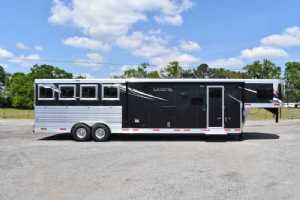 New 2021 Lakota Charger 8413SRGLQ 4 Horse Trailer  with 13' Short Wall