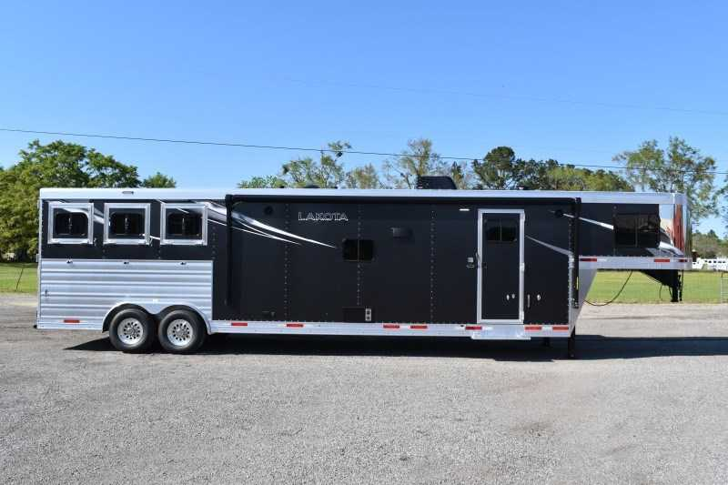 New 2021 Lakota Charger 8315SRB9GLQ 3 Horse Trailer with 15' Short Wall