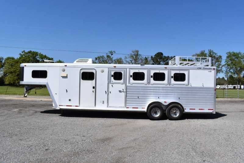 Used 2003 CM 7407 Weekender LQ 4 Horse Trailer with 7' Short Wall