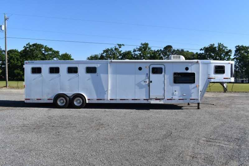 Used 2003 Exiss 8414BKLQ 4 Horse Trailer with 14' Short Wall