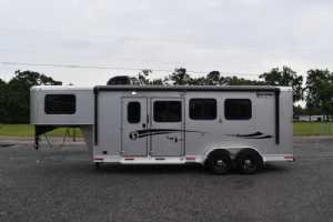 New 2021 Shadow 7306LQ Plus Pack II 3 Horse Trailer  with 6' Short Wall