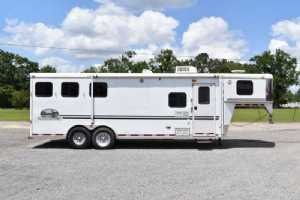 Used 2004 Bison 8308LQ 3 Horse Trailer  with 8' Short Wall