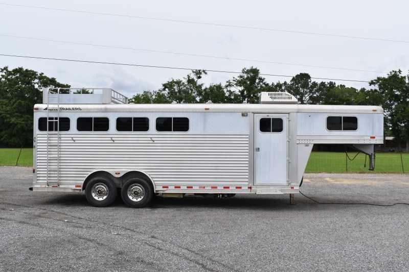Used 2005 Elite 8440LQ 4 Horse Trailer with 4' Short Wall