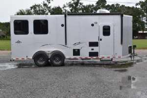 New 2022 Harmar Dixie Star 802BPLQ 2 Horse Trailer  with 8' Short Wall