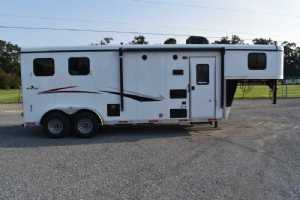 New 2022 Bison QUICK DRAW 7208 2 Horse Trailer  with 8' Short Wall