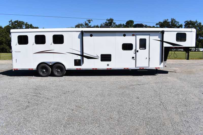 New 2022 Bison Ricochet 8313B 3 Horse Trailer with 13' Short Wall
