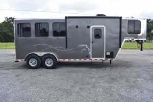 Used 2020 Harmar Outlaw 7304LQ 3 Horse Trailer  with 4' Short Wall