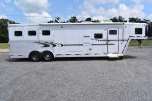 Used 2005 Exiss 8312LQ 3 Horse Trailer  with 12' Short Wall