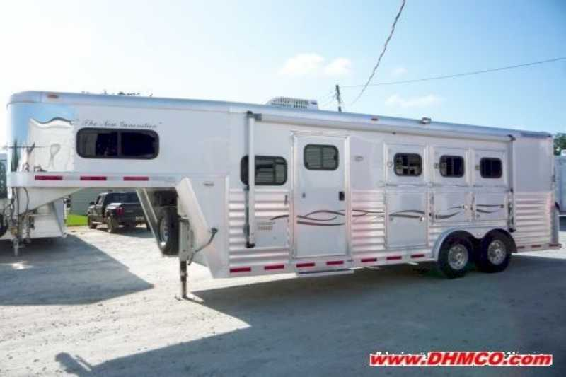 Used 2004 Bloomer 3 Horse Trailer With Living Quarters