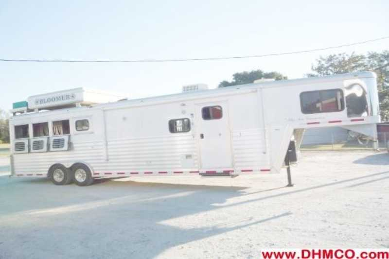 Used 2005 Bloomer 4 Horse Trailer With Living Quarters