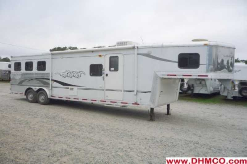#07924 - Used 2006 Bison Stratus 8310LQ 3 Horse Trailer with 10' Short Wall